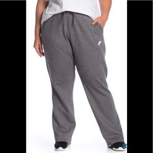 Nike Fleece Wide Leg Sweatpants (Plus Size)